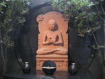 釈尊・初転法輪座像