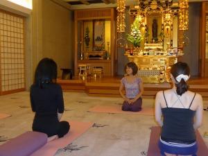 「寺yoga」平賀恭子先生